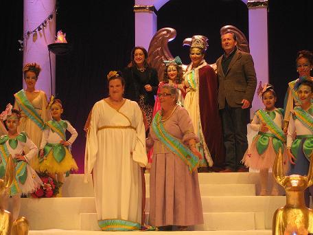 Bella Marín y Rocío López ya lucen como reinas del Carnaval de la Luz 2013